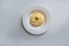 Espaguetes lisos italianos deliciosos Fotografia de Stock Royalty Free