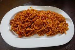 Espaguetes saborosos do estilo filipino do close-up imagens de stock