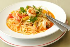 Espaguetes Tom Yum Kung Imagem de Stock Royalty Free