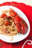 Espagueti con la langosta y la crema Imagen de archivo libre de regalías