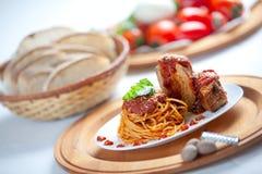 Espagueti con la salsa de Neaplolitan Ragu Imagenes de archivo