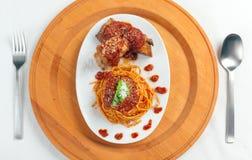 Espagueti con la salsa de Neaplolitan Ragu Imagen de archivo libre de regalías
