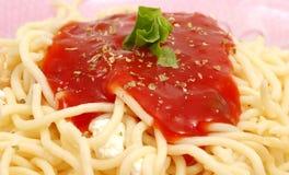 Espagueti con la salsa de tomate Fotografía de archivo libre de regalías