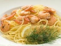 Espagueti con los camarones Imagen de archivo libre de regalías