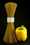 Espagueti con pimienta Imágenes de archivo libres de regalías