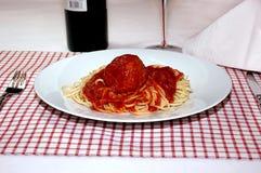 Espagueti y albóndiga Imagenes de archivo