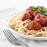 Espagueti y albóndigas imagenes de archivo
