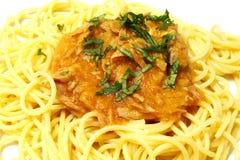 Espagueti y atún Foto de archivo libre de regalías