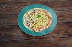 Espaguetis ai frutti di mare Imagenes de archivo