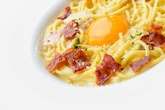 Espaguetis Carbonara con el huevo Imagen de archivo