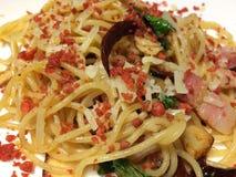 Espaguetis con la hierba picante Fotografía de archivo