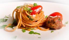 Espaguetis con las albóndigas fotografía de archivo