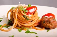 Espaguetis con las albóndigas imágenes de archivo libres de regalías