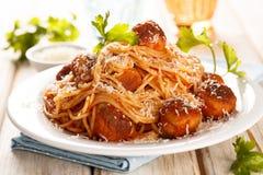 Espaguetis con las albóndigas Foto de archivo libre de regalías