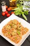 Espaguetis con las bolas de la quinoa y de las setas imágenes de archivo libres de regalías