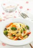 Espaguetis con las verduras Fotografía de archivo libre de regalías