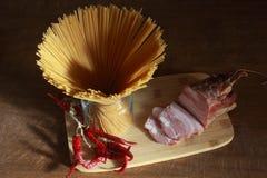 Espaguetis con tocino Foto de archivo