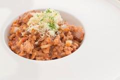 Espaguetis de las pastas del tomate con los tomates frescos Fotos de archivo libres de regalías