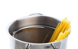 Espaguetis en un pote VII Fotos de archivo
