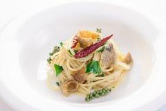 Espaguetis y Osphromemus gorami secado Imagenes de archivo