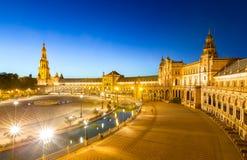 Espana Plaza i Sevilla Spain på skymning Royaltyfri Foto