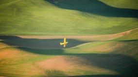 Espanador da colheita que faz a uma volta o Palouse Fotografia de Stock Royalty Free