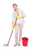 Espanador de lavagem do assoalho da mulher de limpeza Fotografia de Stock