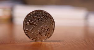 Espanha comemorativa de prata 2010 da moeda do Euro 20 - campeonato do mundo do Fifa vídeos de arquivo