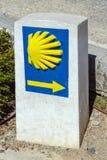 Espanha de Ponferrada da estrada de santiago dos peregrinos do sinal do indicador da vieira Imagem de Stock