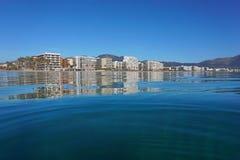 Espanha do litoral dos prédios de apartamentos da cidade do beira-mar fotos de stock