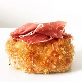Espanhol Serrano Ham Croquette Tapa fotografia de stock