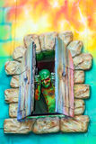 Espantalho na janela Fotografia de Stock Royalty Free