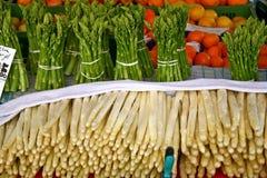 Espargos verdes e brancos. Bamberga, Baviera, Germa Imagem de Stock