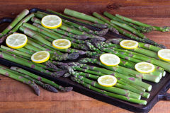 Espargos verdes frescos Foto de Stock