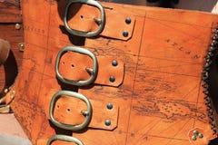 Espartilho de couro do mapa do tesouro fotografia de stock