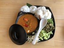 Especiaria tailandesa do caril do macarronete do alimento picante fotos de stock royalty free