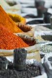 Especiarias da Índia no mercado local em Deli Fotos de Stock Royalty Free