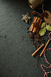 Especiarias naturais para o Natal que coze a imagem simbólica Foto de Stock Royalty Free