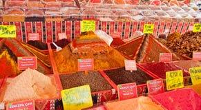 Especiarias no mercado Fotografia de Stock Royalty Free