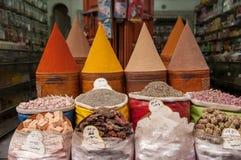 Especiarias no mercado marroquino fotografia de stock