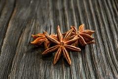 Especias e hierbas Ingredientes del alimento y de la cocina Palillos de canela, Foto de archivo libre de regalías