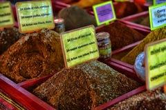 Especias en el mercado callejero Fotografía de archivo libre de regalías