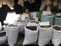 Especias en mercado callejero en Akko o acre Fotografía de archivo