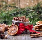 Especias tradicionales de la Navidad Imágenes de archivo libres de regalías