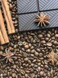 Especias y chocolate para el café fotografía de archivo libre de regalías