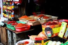 Especias y mercado de Chillis Yichang Imágenes de archivo libres de regalías
