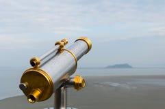 Espectador y opinión del telescopio de Mont Saint-Michel Fotografía de archivo libre de regalías