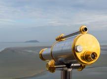 Espectador y opinión del telescopio de Mont Saint-Michel Fotos de archivo