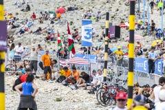 Espectadores del Tour de France del Le en Mont Ventoux Imagen de archivo libre de regalías