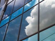 Espejo de los edificios Imágenes de archivo libres de regalías
